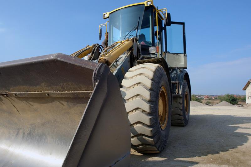 canva-yellow-tractor-MADGyN8BQIs